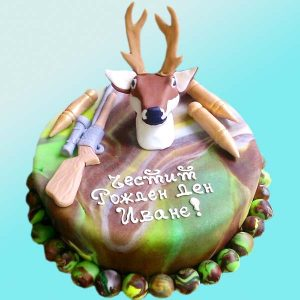 Торта Ловец с елен и пушка - RD11 от Долче Мела
