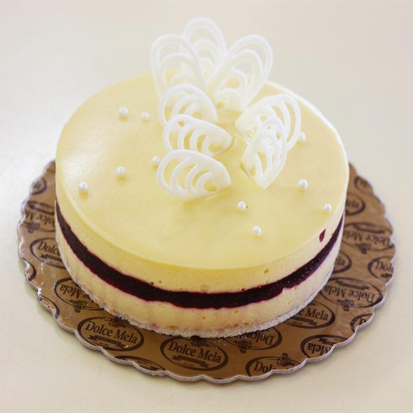 Торта Прованс от бутикова Торта Прованс от бутикова сладкарница Dolce Mela - ПловдивDolce Mela